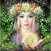 Молодица в Венке и Солнцем в руке on My World.